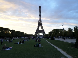 Eiffel Tower Picnic1