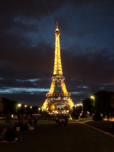 Eiffel Tower Picnic3