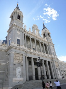 Catedral Almudena Exterior